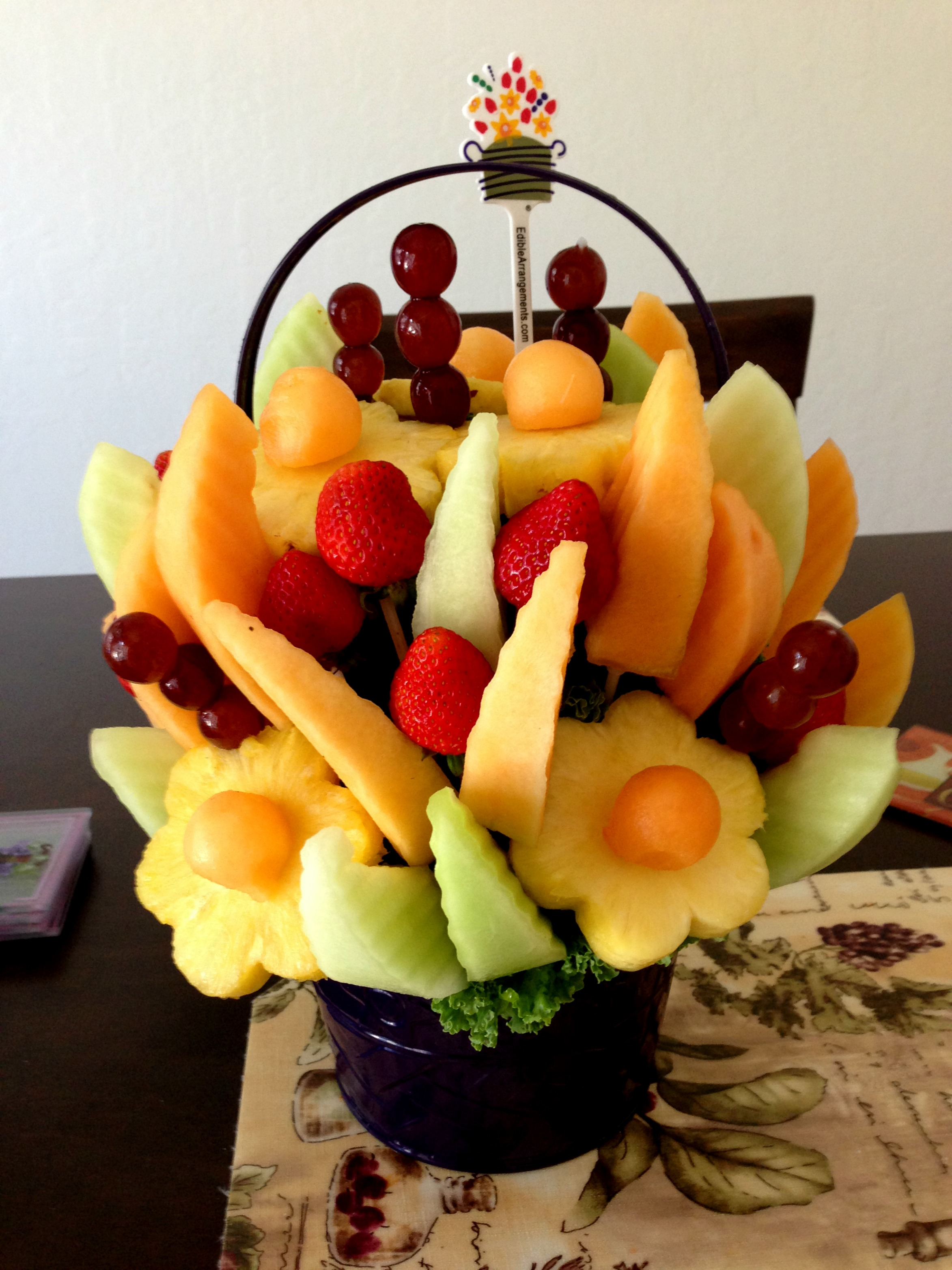 Edible Arrangement Foodie Loves Fitness
