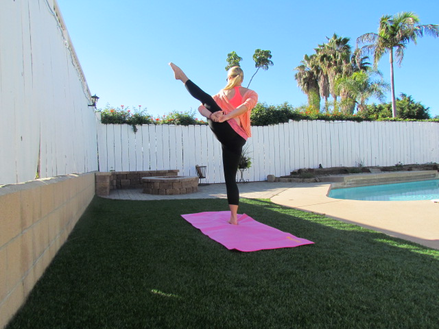 On-The-Go in Fabletics [Clothing Line Review]
