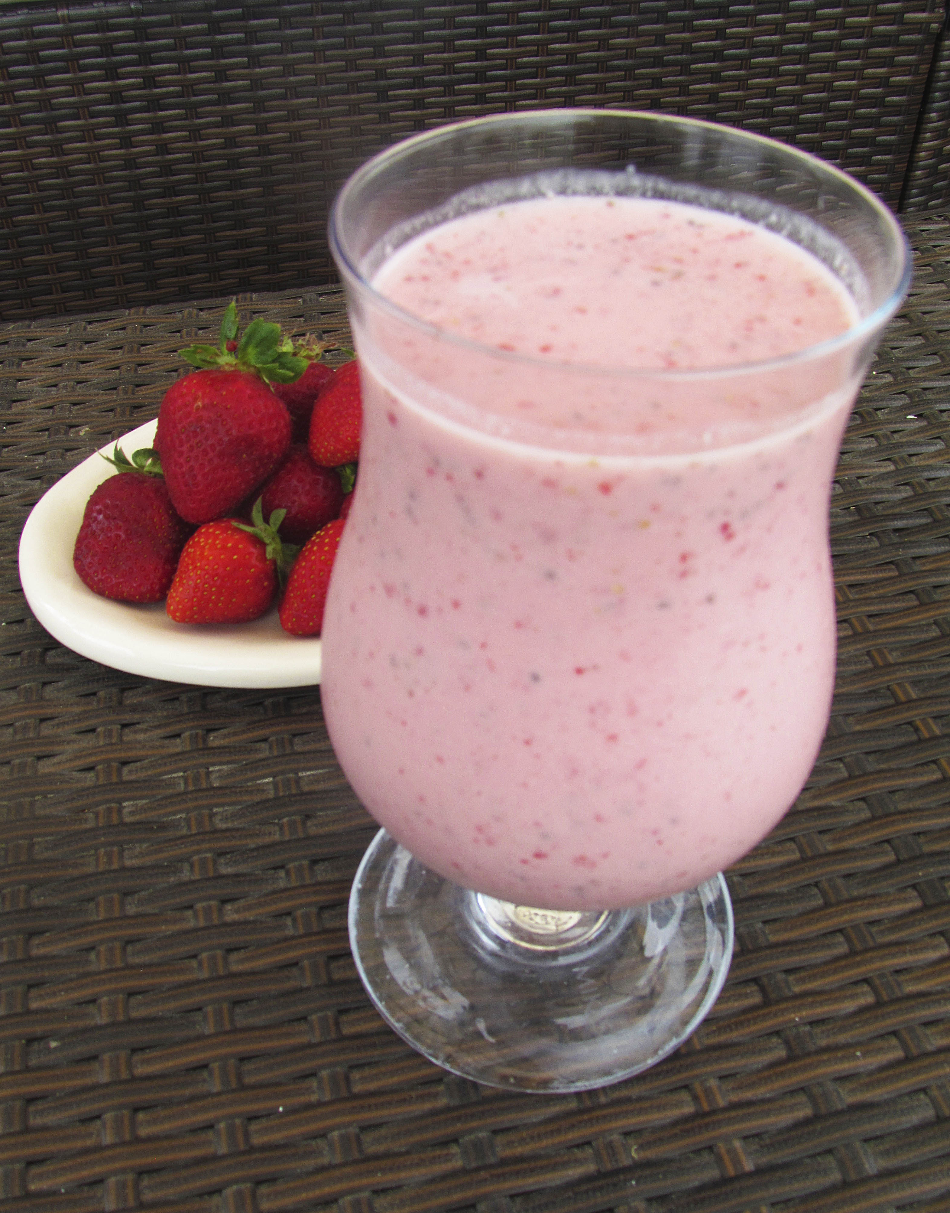 Easy, Creamy Strawberry Vanilla Smoothie