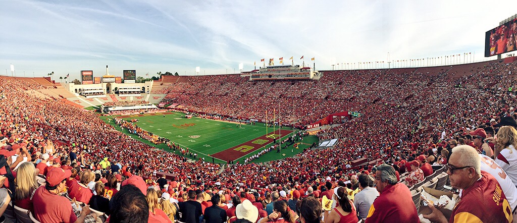 My First USC Football Game + Girls' Wine Day in Temecula {Weekend Recap!}