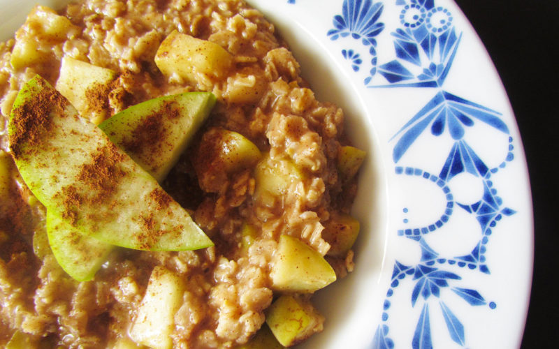 Cinnamon Baked Apple & Peanut Butter Oatmeal