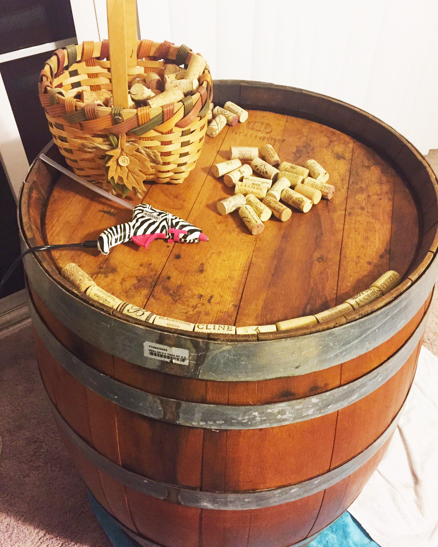 how to make a wine cork table top