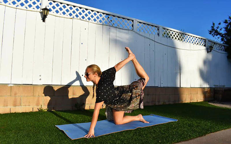 5 Yoga Poses & Moves to Strengthen Hip Mobility + One Tribe Apparel Giveaway!